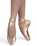 Russian Pointe – Entrada Pointe Shoe